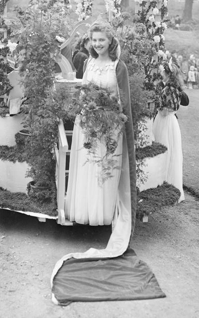 Festival Queen in her carriage