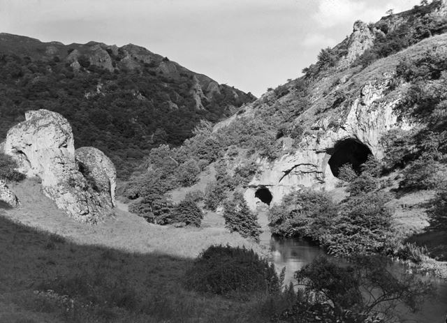 Dove Holes and The Nabs, Dovedale