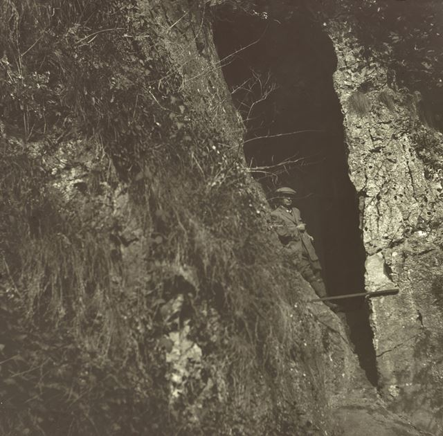 Entrance to (St Bertram's ?) cave - Beeston Tor - River Manifold Valley (Staffordshire)