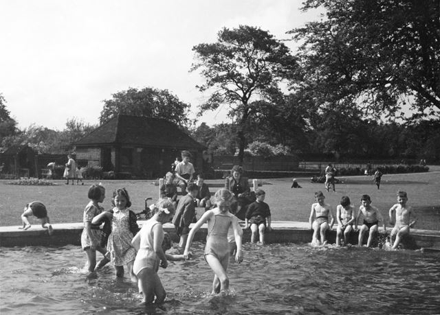 The Playground and Paddling Pool, Dronfield