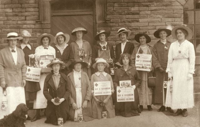 Red Cross charity collection for wounded soldiers during World War 1
