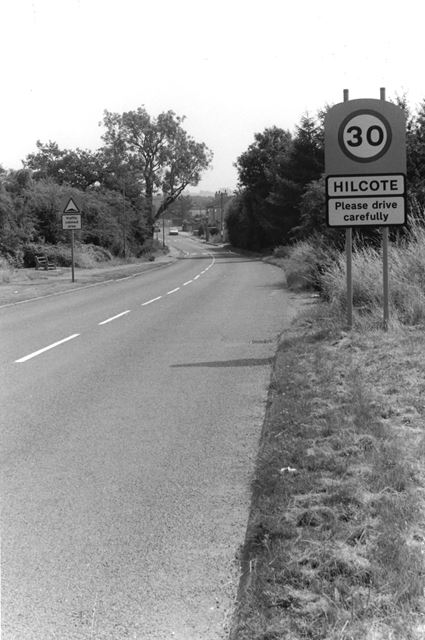 Hilcote - The village sign and New lane