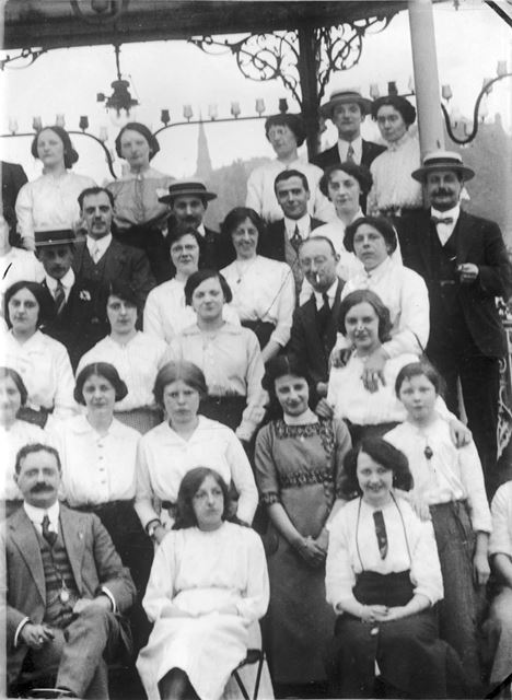 Unknown group of people, Matlock area, c 1904 - 1918