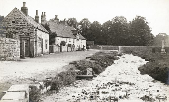 Jug and Glass public house, Langwith, c 1910?