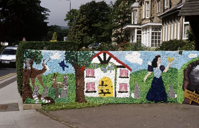 Well dressing, Buxton, 1990