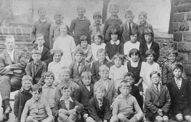 Group Photo, Chinley School, Buxton Road, Chinley, c 1920s