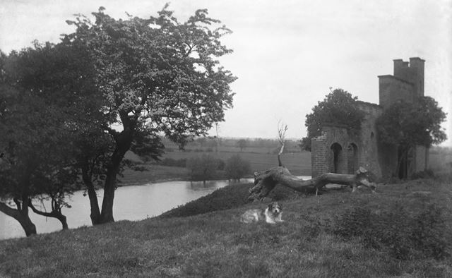 Folly overlooking the River Trent, Newton Solney, c 1920s