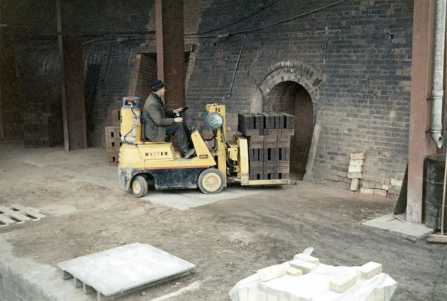Hyser forklift removing fired bricks from a kiln at Kirton Brick Works