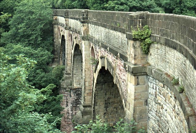 Aqueduct over Chesher Ring Canal, Marple, 1974