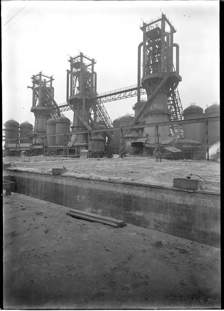 Stanton New Works blast furnaces and pig beds