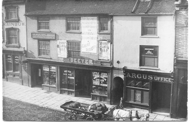 Dove and Rainbow PH and Beevers Cycle Shop, Upper Parliament Street, Nottingham, c 1890s