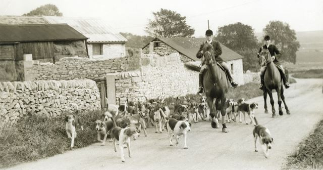 High Peak Hunt at unknown location, 1940s/1950s ?