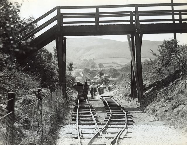 Construction of new railway between Bamford and the site of Ladybower Reservoir, 1935