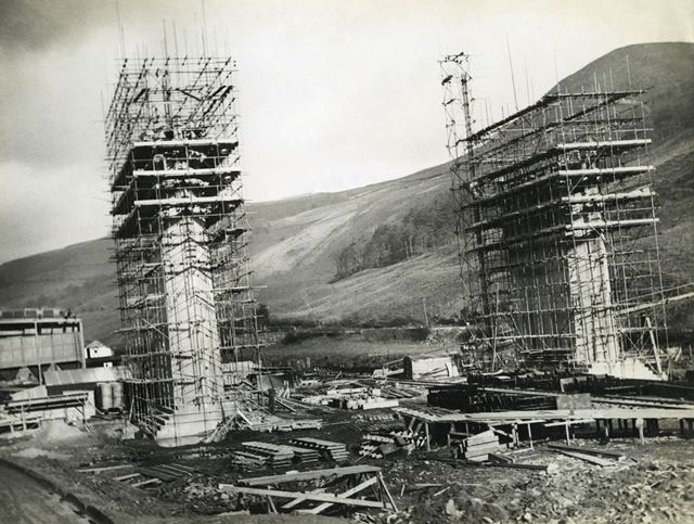 Construction of Ashopton Viaduct for Ladybower Reservoir, c 1930s
