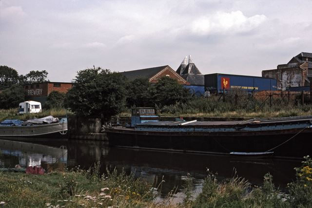 River Trent River Traffic Looking to Rear of North Gate Brewery, Newark, 1987