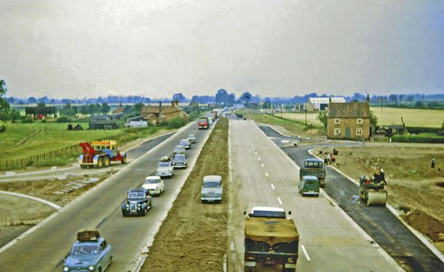 Construction of the section of the A1 between North Muskham and Cromwell, North Muskham, 1964