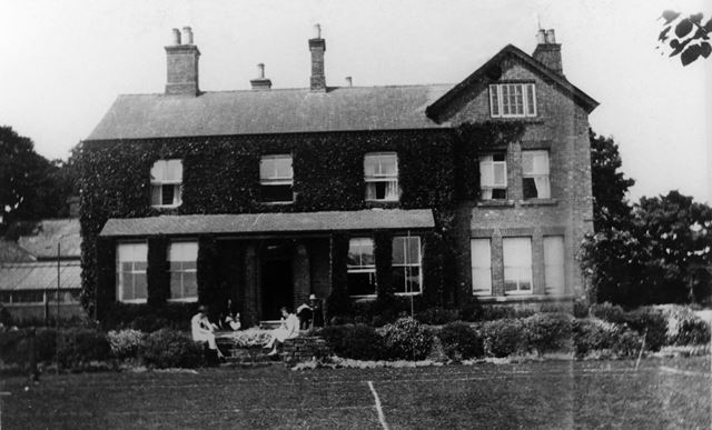 Butterley House and Smedley Family, Ripley, 1920s
