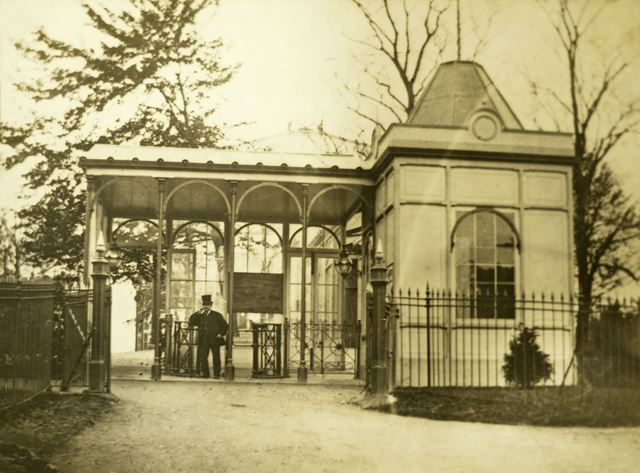 Entrance to Pavilion Gardens, before 1903