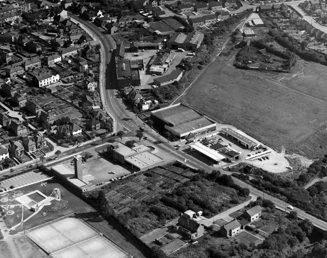 Aerial view showing Derby Road area, Ilkeston, 1971