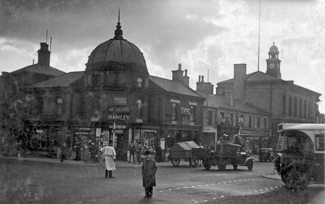 High Street West and Victoria Street Junction, Glossop, c 1920