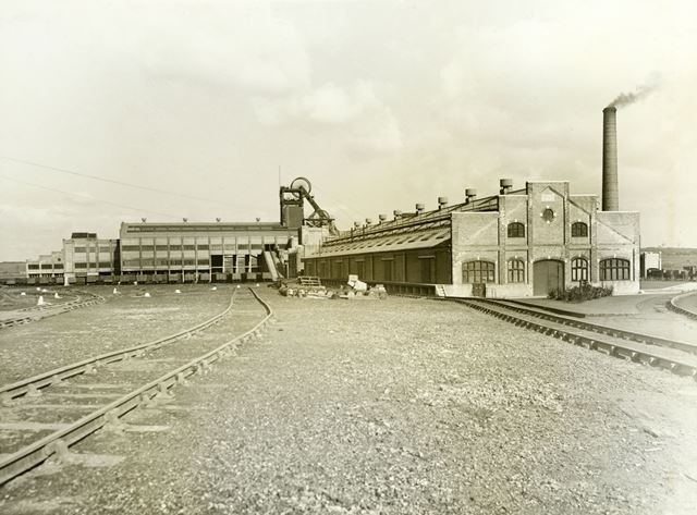 'The Modernisation of Williamthorpe Colliery 1938-40' - From the empty sidings, after improvements