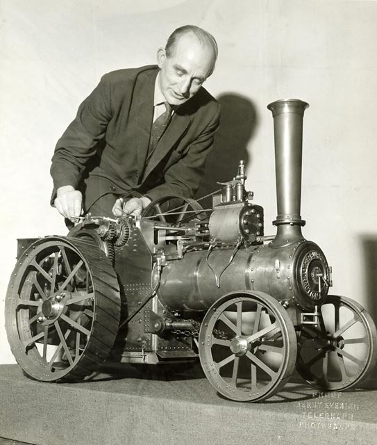 Walter Smith and his model traction engine