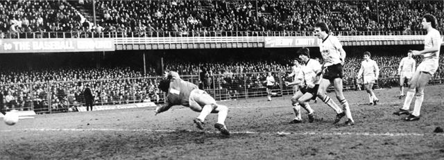 Kevin Wilson scores for the Rams against Chelsea in the F A Cup