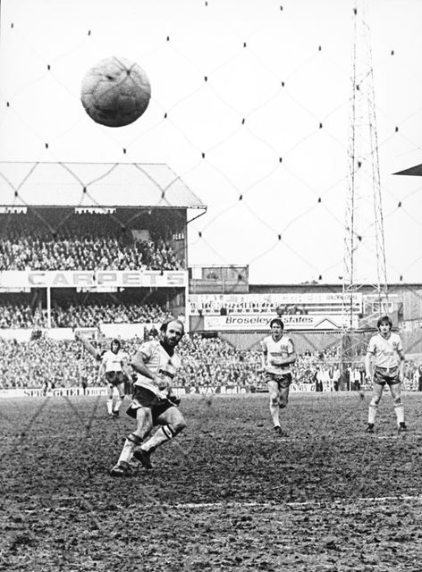 Archie Gemmill scores from the spot against Norwich City