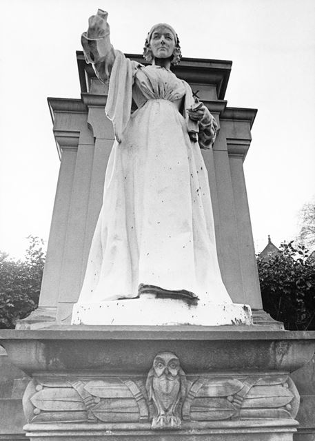 Florence Nightingale statue (minus her hand and lamp)