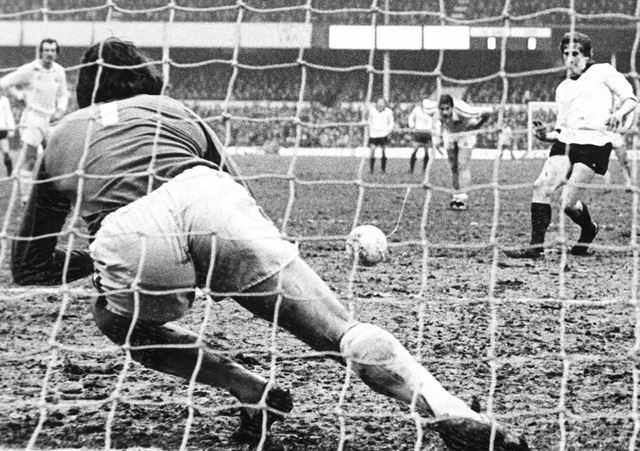 Gerry Daly scores a penalty for Derby County
