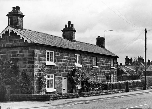 Houses on Main Road, Smalley